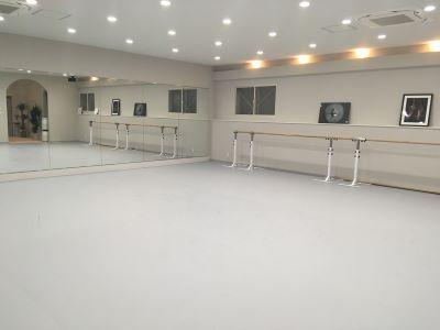 Bühne art center(ビューネアートセンター)